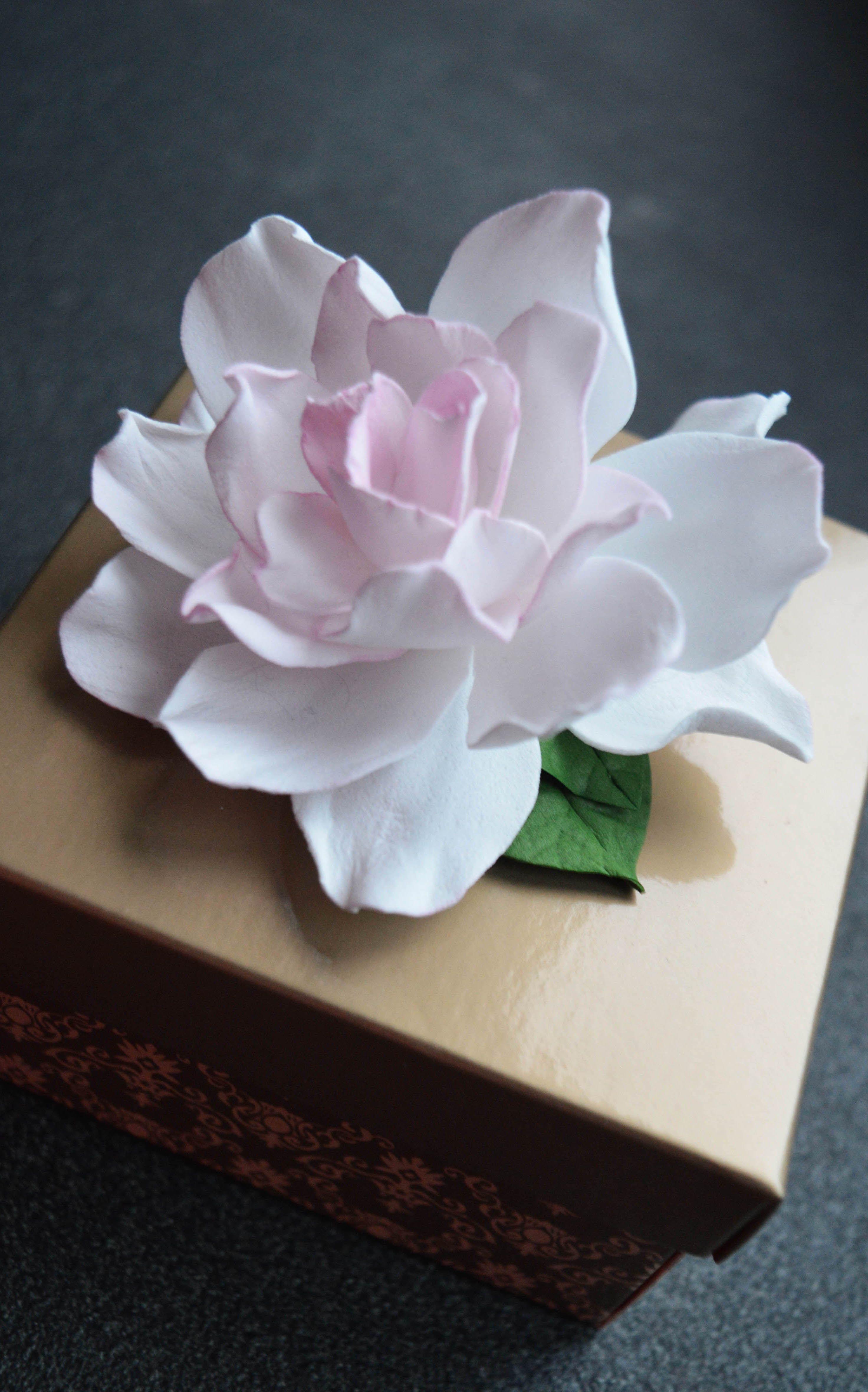 Gardenia Flower Hair Clip Wedding Floral Hair Piece Bridal Etsy Floral Hair Pieces Flower Hair Clips Wedding Flower Hair Accessories