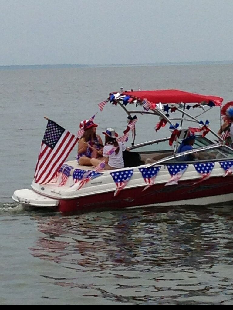 4th of July boat parade | 4th of July partay ideas! | Boat ...