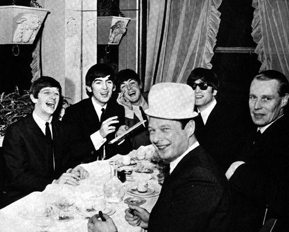 The Beatles Polska: Beatlesi nie przybywają na sesję nagraniową w Paryżu