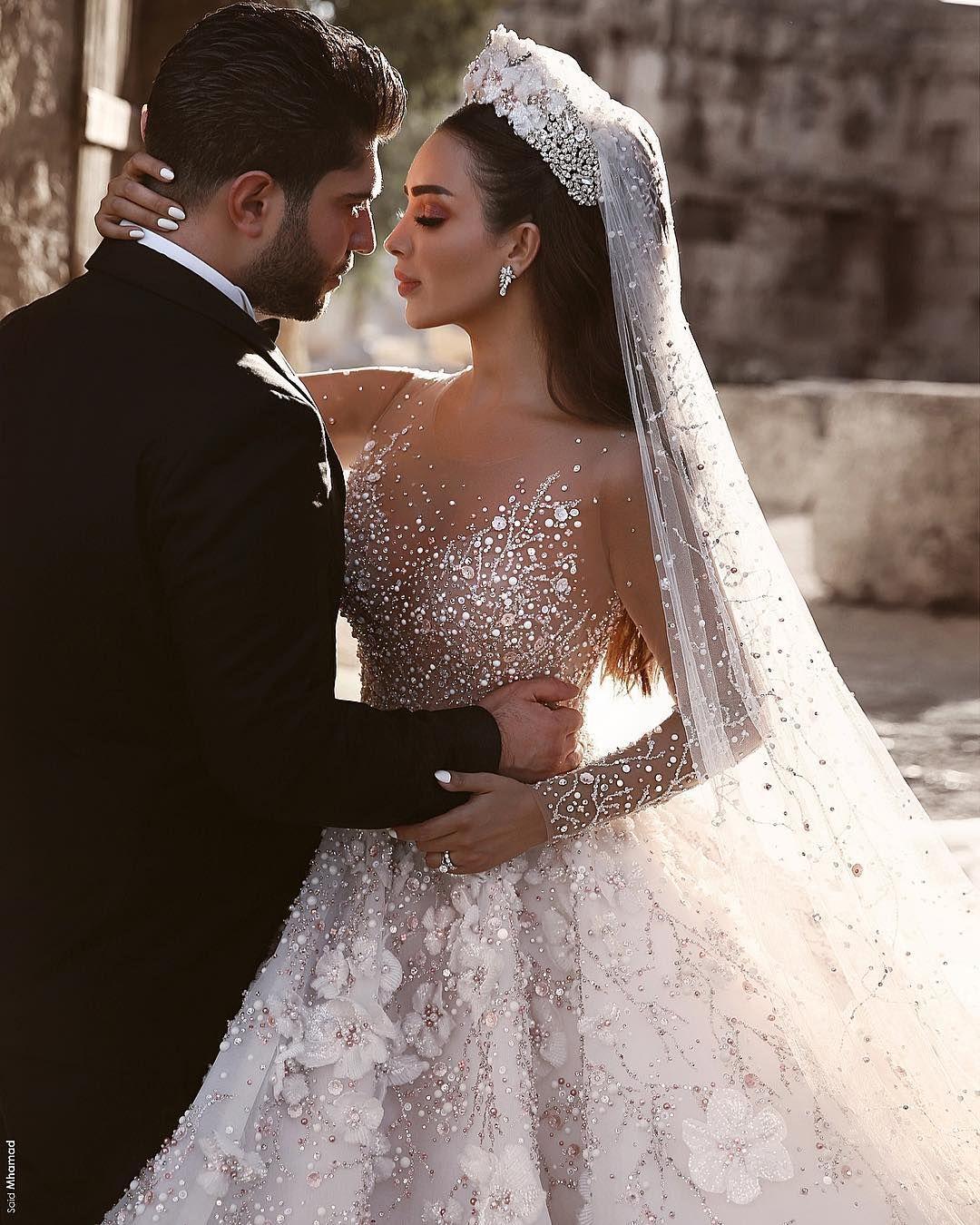 Luxus Brautkleider Mit Ärmel A Linie Spitze Hochzeitskleider