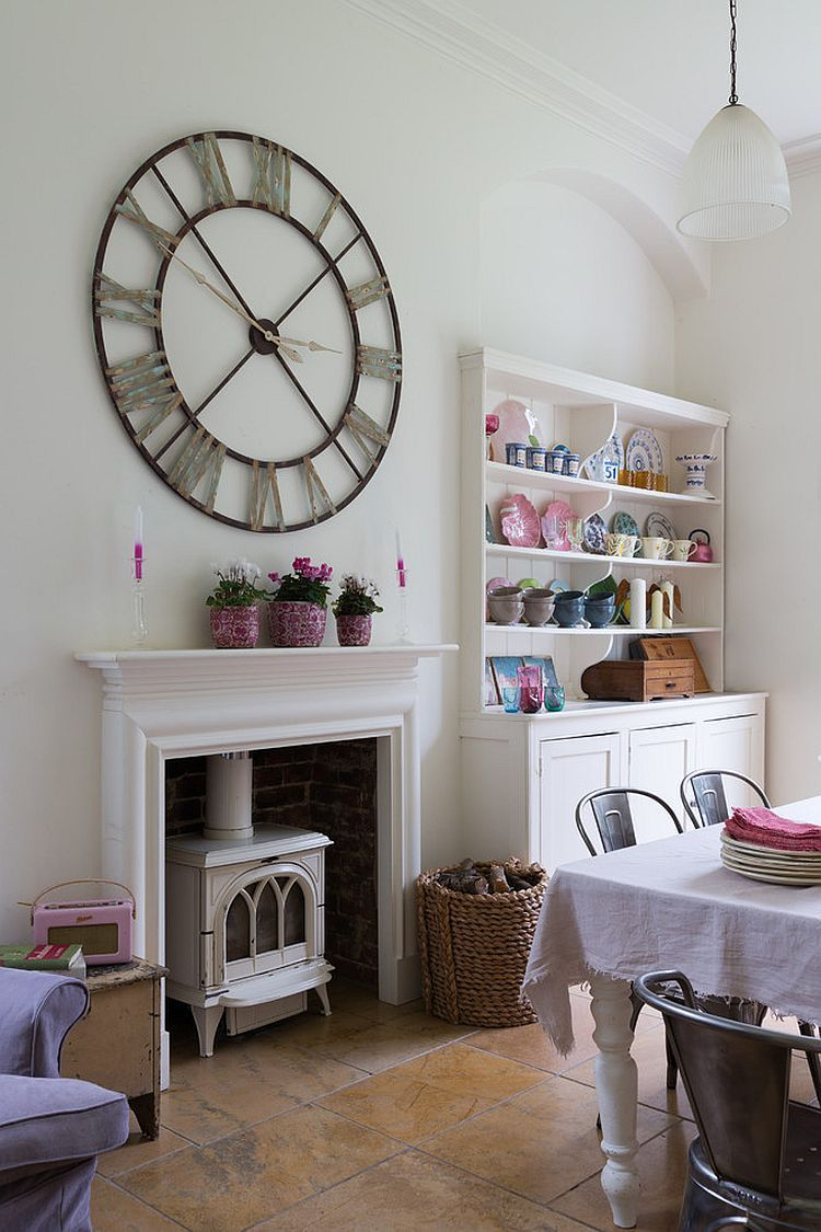 50 cool and creative shabby chic dining rooms for Shabby chic dining room wall art