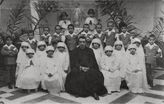 Niños y niñas en el día de su primera comunión en la Casa de Maternidad, 1934