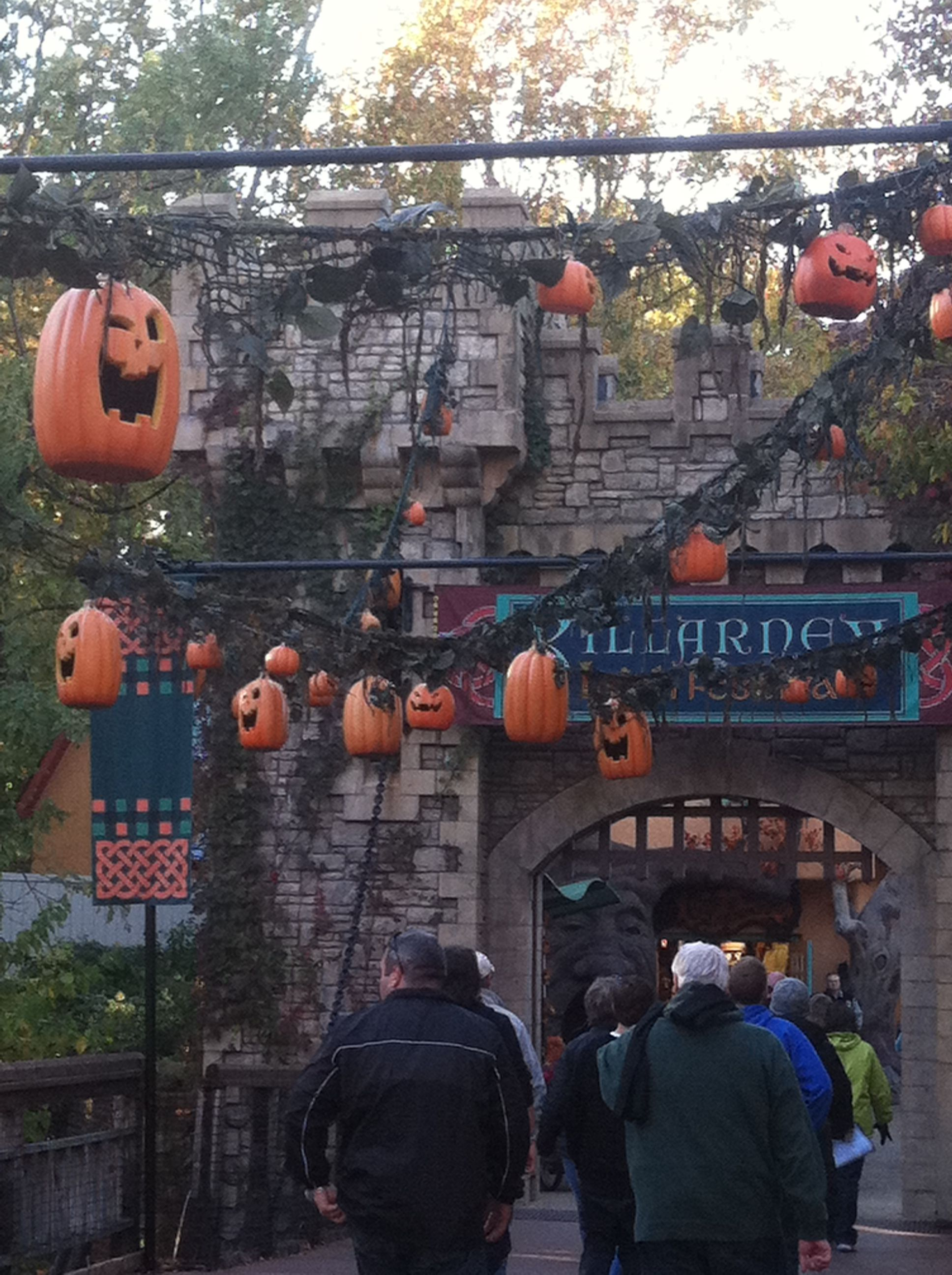cf858db8ec09b5da07be348ebbf4e6dd - Busch Gardens Howl O Scream Williamsburg Discount