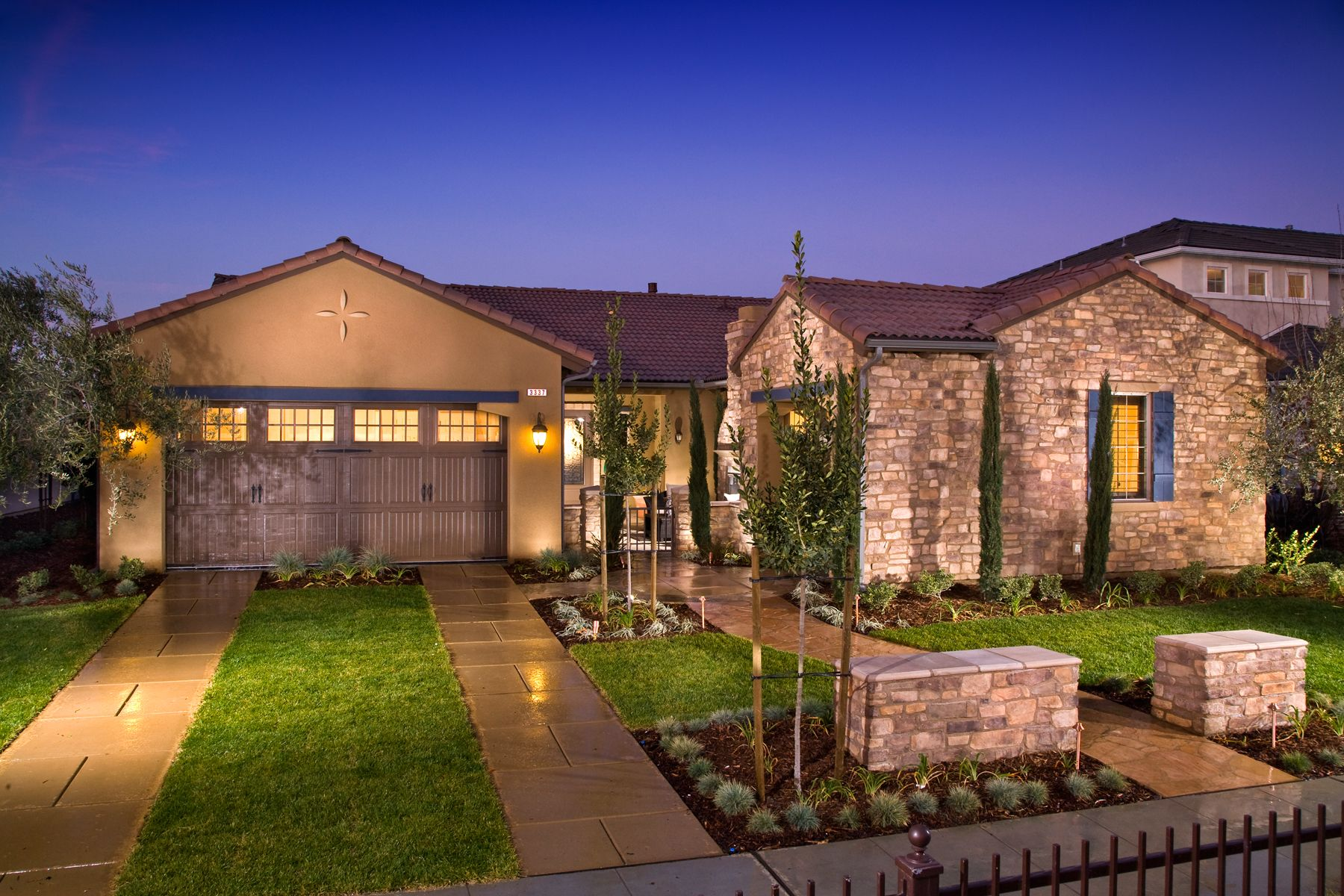 Gorg Love The Landscaping Tuscan Style Homes Tuscan House Beautiful Homes