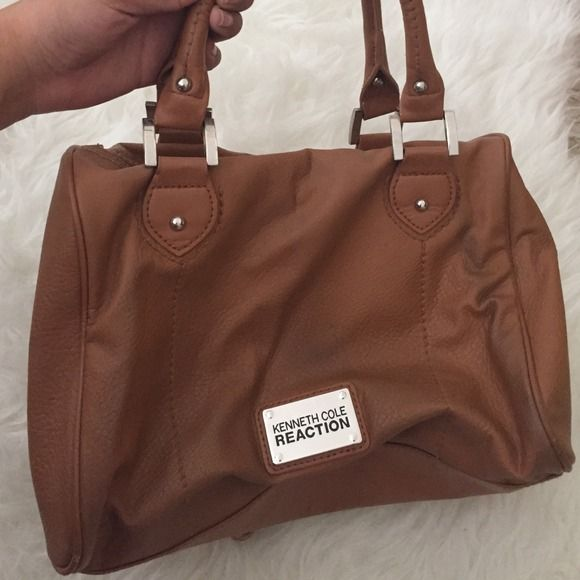 Camel kenneth Kole purse🌟✨👌 Perfect color for fall-winter🌟👌 Kenneth Cole Bags