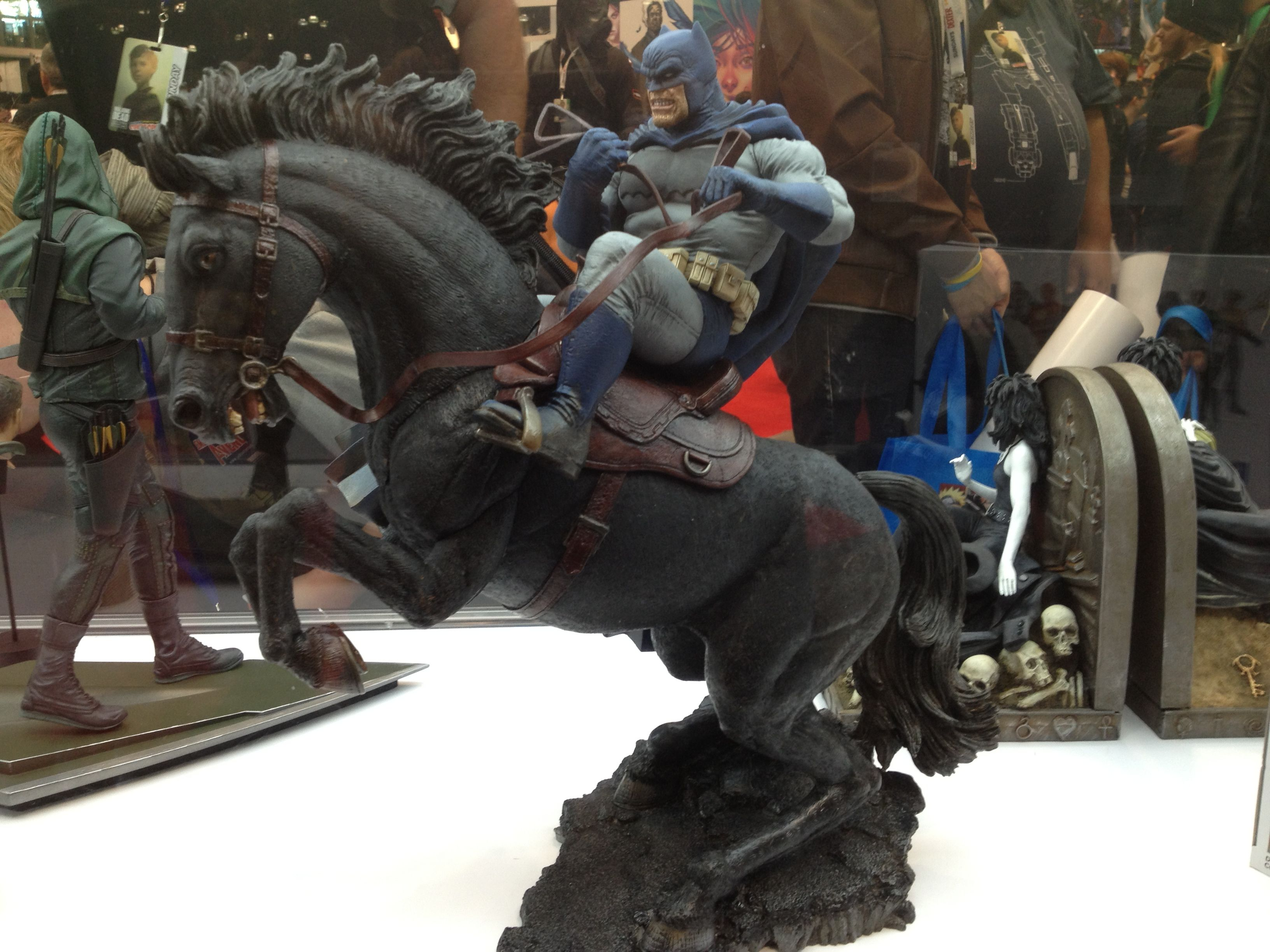 Dark Knight Returns statue @NYCC 2012