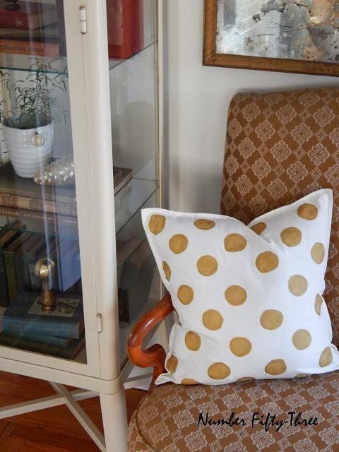 DIY Polka Dots : DIY Gold Polka dot pillow.