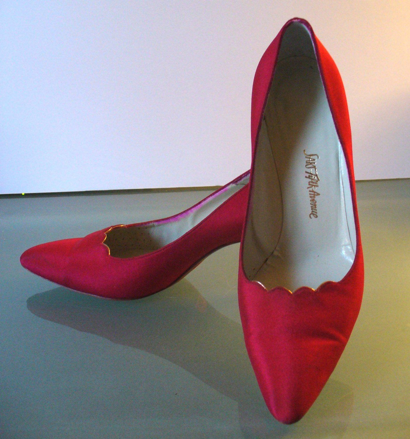 26a0690e459 Vintage Roger Vivier Saks Fifth Avenue Raspberry Silk Shoes Size 7.5 ...