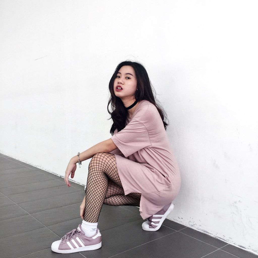 0a4bcbe2f30593 how-i-style-tshirt-dress-fishnet-tights | My Style in 2019 | Fishnet ...