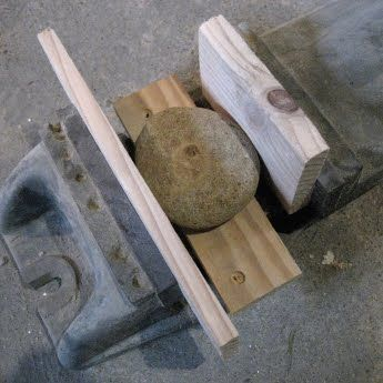 How To Drill Holes In Beach Stones Stone Crafts Dremel Crafts Beach Stones