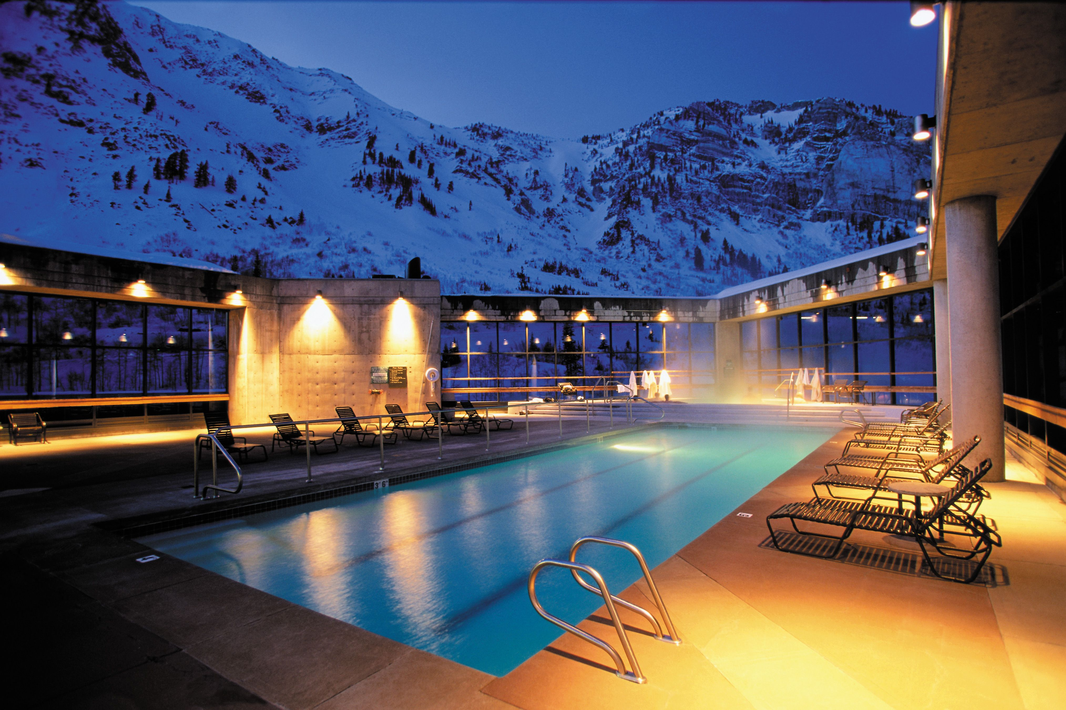 The rooftop pool at the Cliff Spa Awesome in the winter even