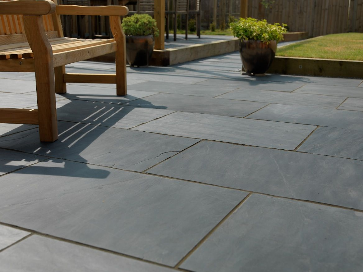 Contemporary Garden Landscaping With Images Slate Paving
