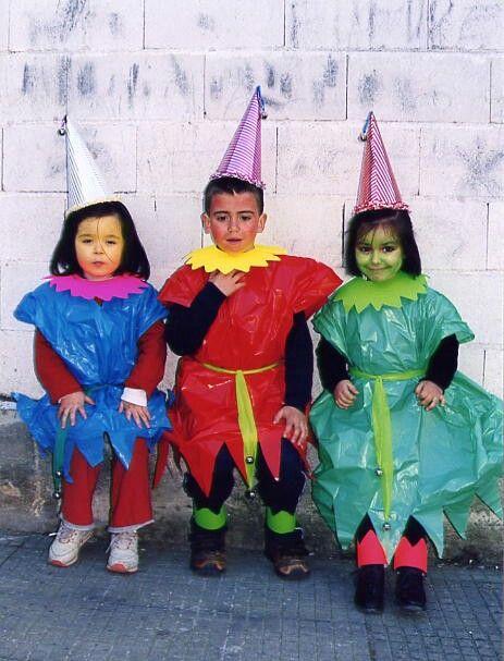 Gnomos De Colores Preciosos Y Fáciles Un Disfraz Casero Con Bolsas De Basura Http Www Multipapel Com Familia Mate Diy Costumes Carnival Crafts Baby Projects