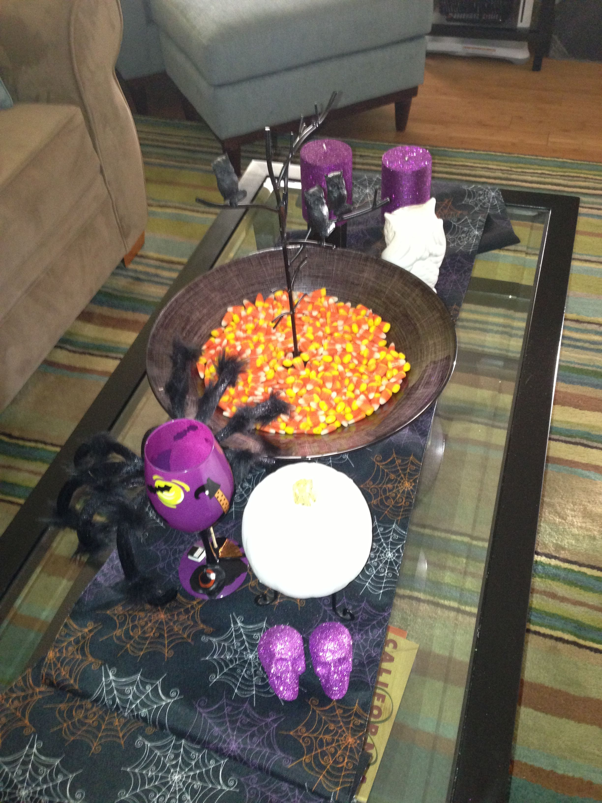 Coffee table Halloween decorations | Halloween | Pinterest ...