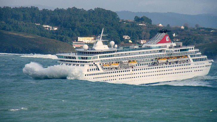 Afbeeldingsresultaat voor cruise ship waves