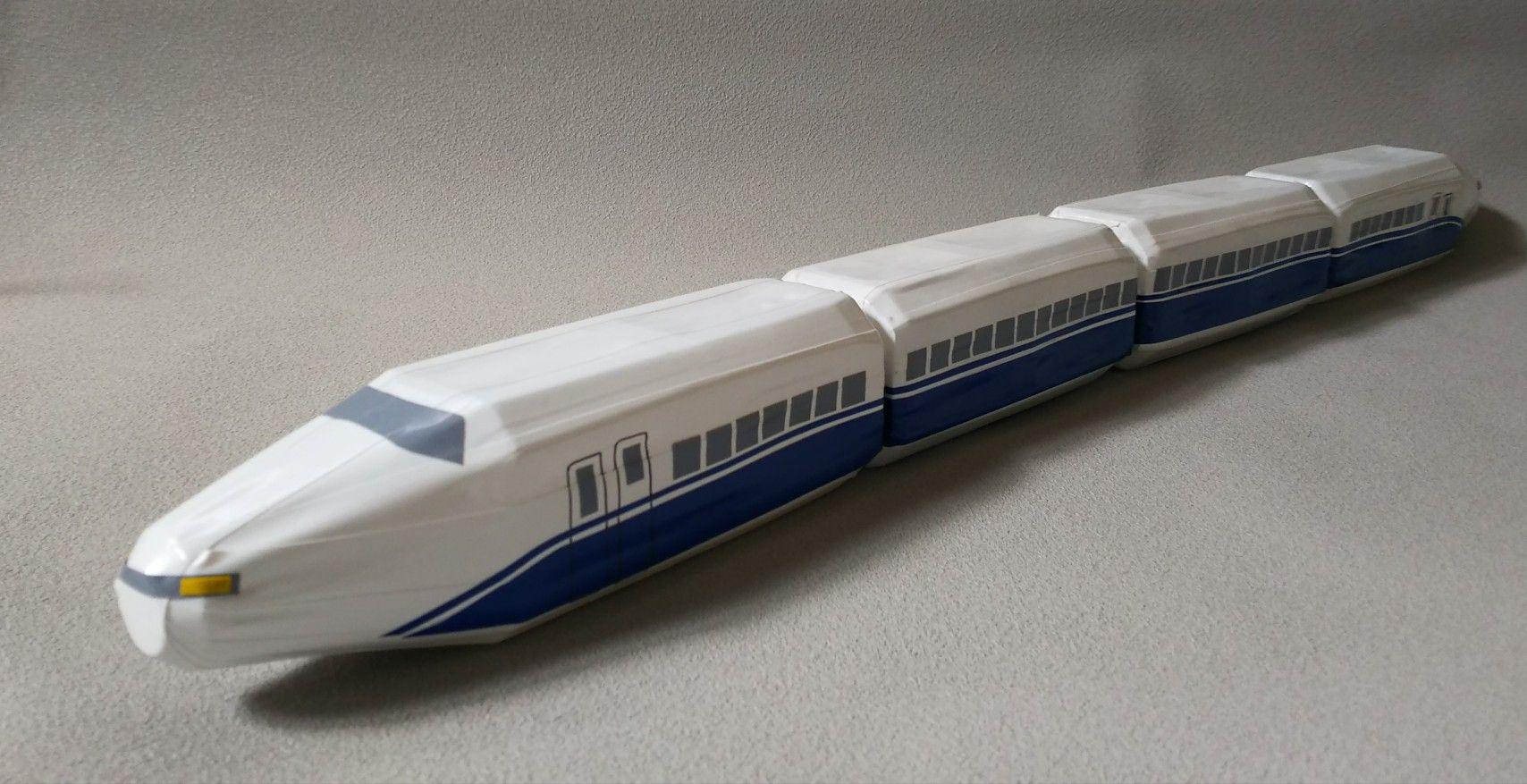 ペットボトルの新幹線 ペットボトル 手作りおもちゃ 新幹線
