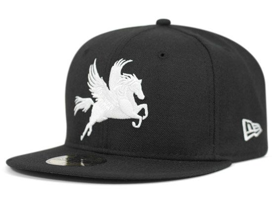 Black Pegasus 59Fifty Fitted Cap by NEW ERA  215b16f50af0
