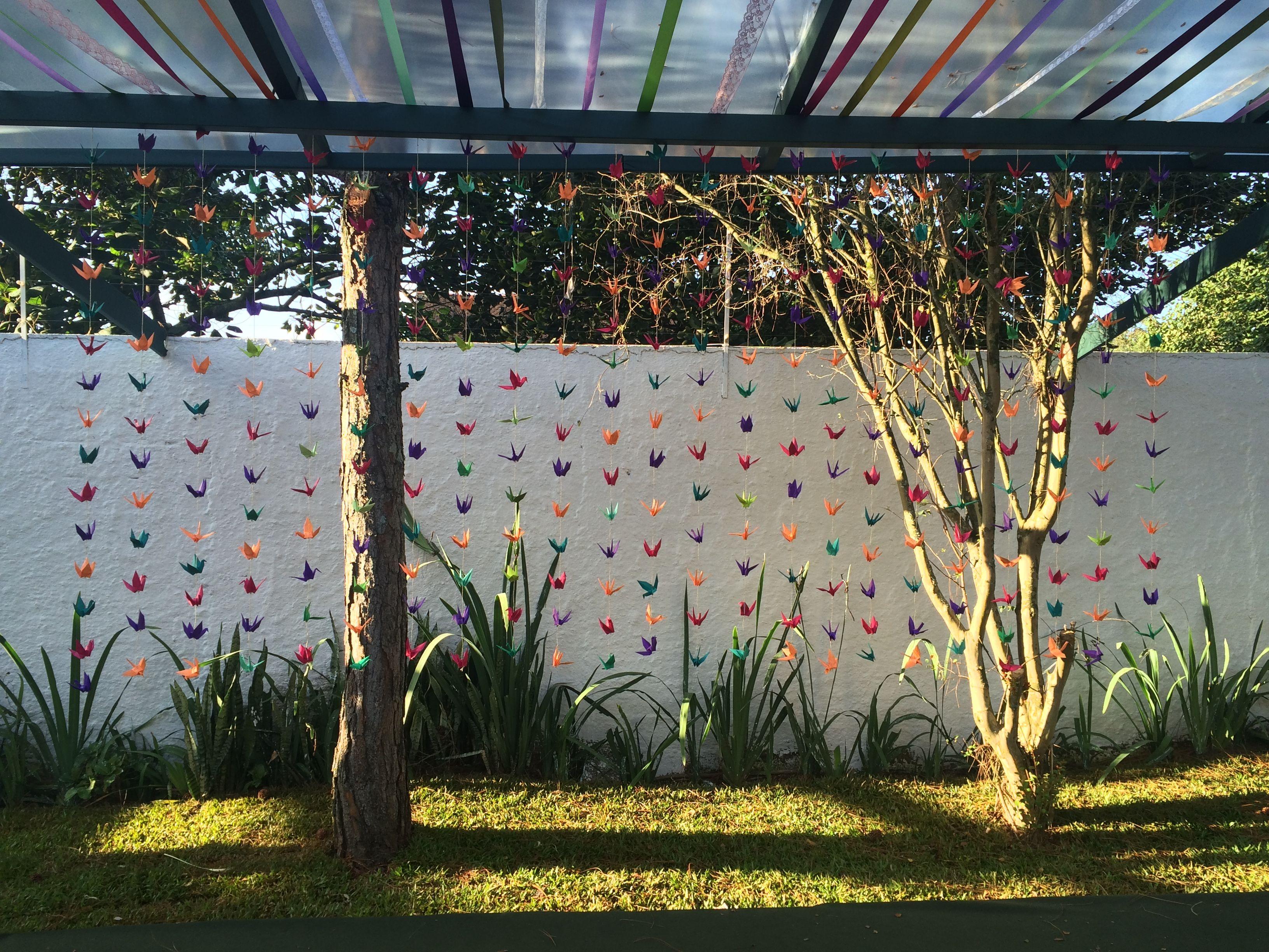 Cortina de tsurus coloridos Projeto: Gui Marini #wedding #japanesewedding #tsuru…