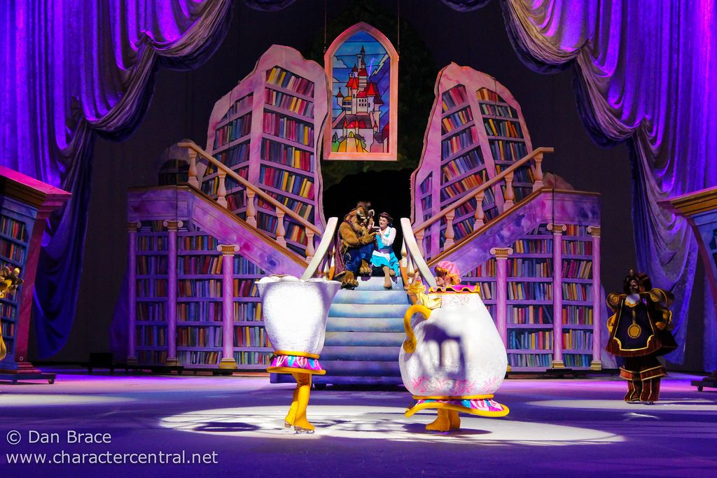 Disney On Ice - Rockin' Ever After
