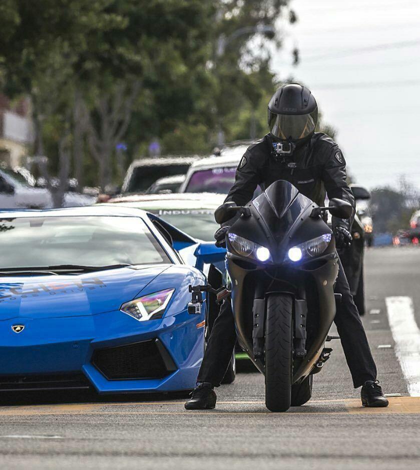 Lamborghiniaventador Yamahayzfr1 Motorcycle Lamborghini Sport