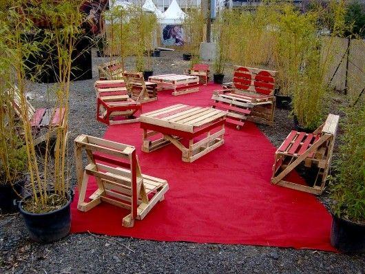 Möbel aus Holzpaletten für eine nachhaltige Einrichtung zusammenbauen   Diy palettenmöbel ...