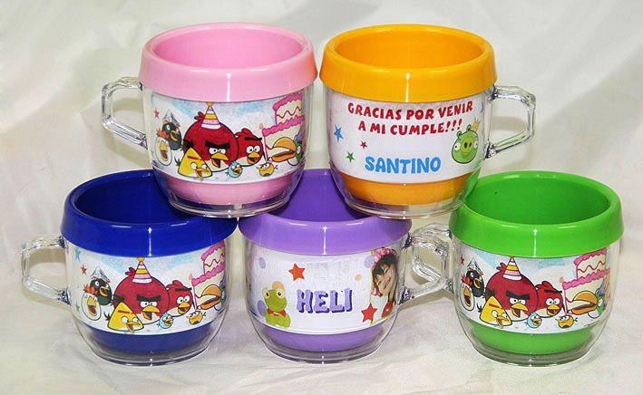 BOTONES PUBLICITARIOS SOUVENIRS INFANTILES PINES DOMES PRENDEDORES BLOCS LIBRETAS TAZAS Y VASOS PORTAFOTO GORRAS REMERAS Excelente Calidad - Full Color - Tazas y vasos personalizados