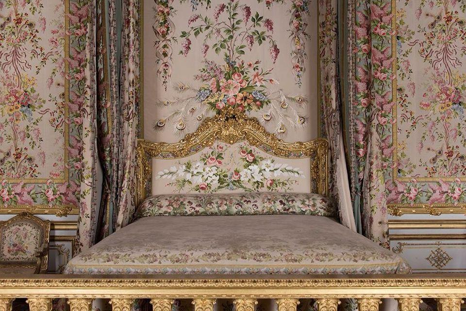 The Queens bed