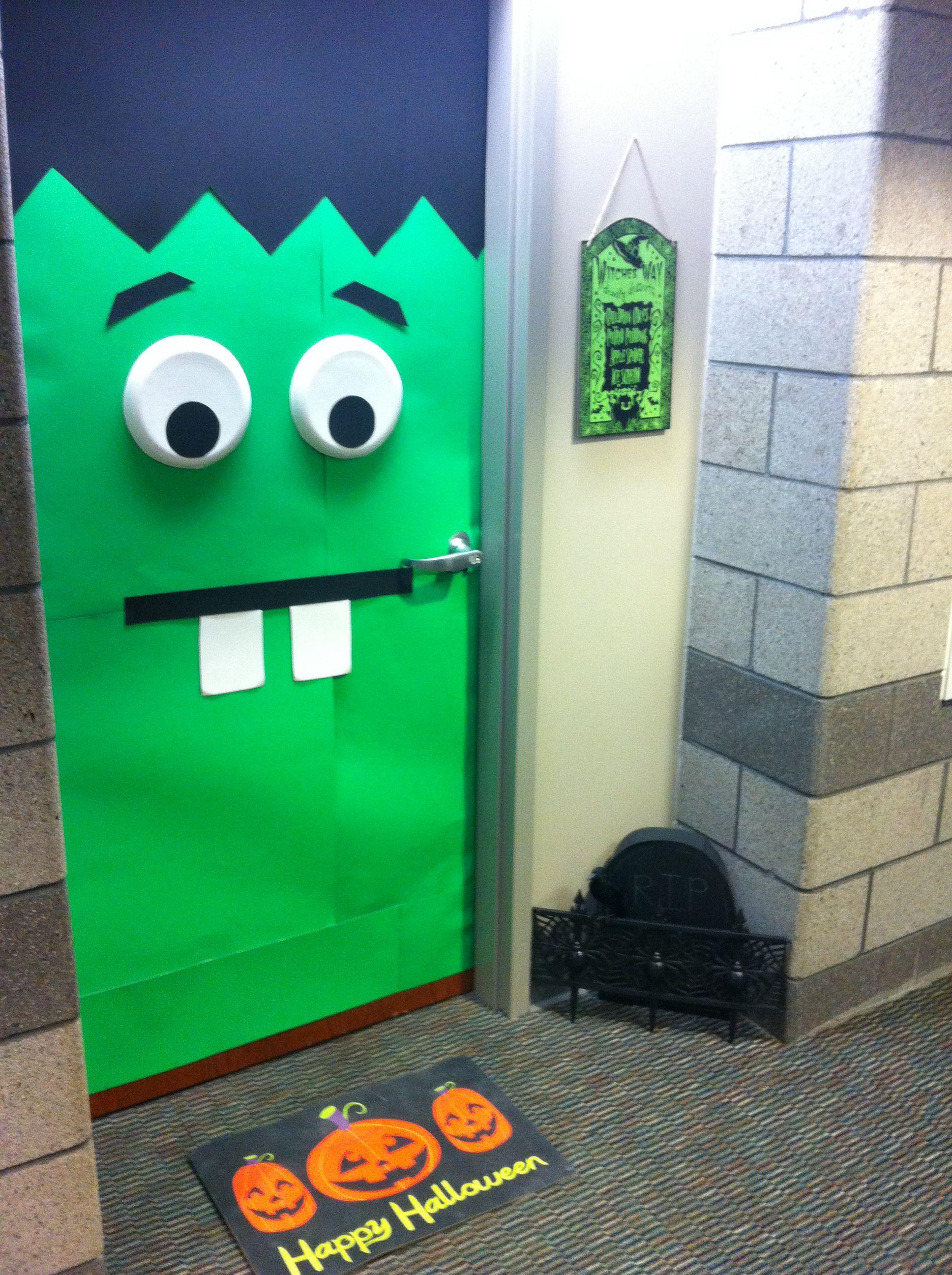College Dorm Room Halloween Door Decorating Halloween