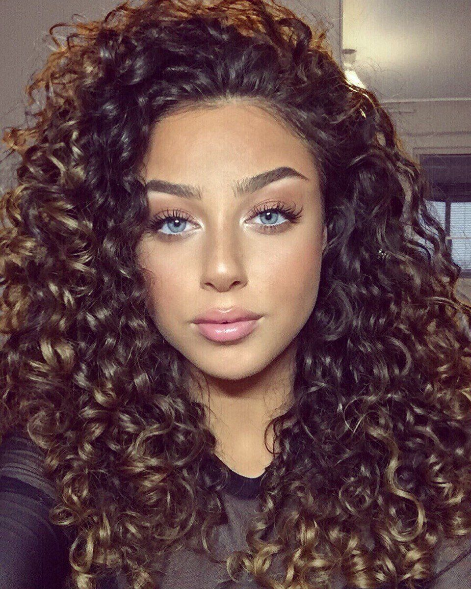 Adorable Girl With Curly Hair Curly Hair Styles Curly Human Hair Wig Curly Hair Styles Naturally