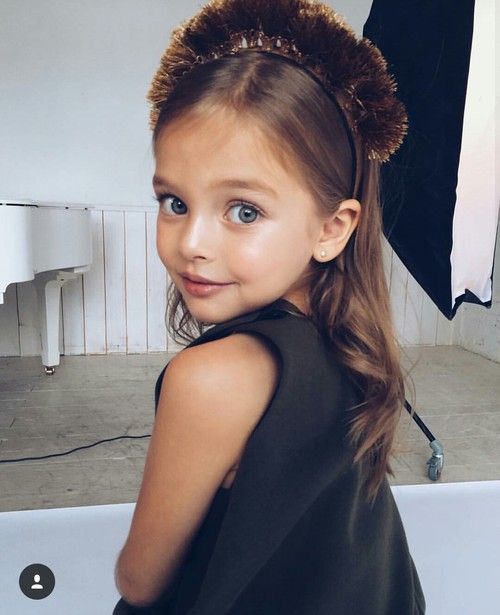 Image about girl in baby by Cìtízen X on We Heart