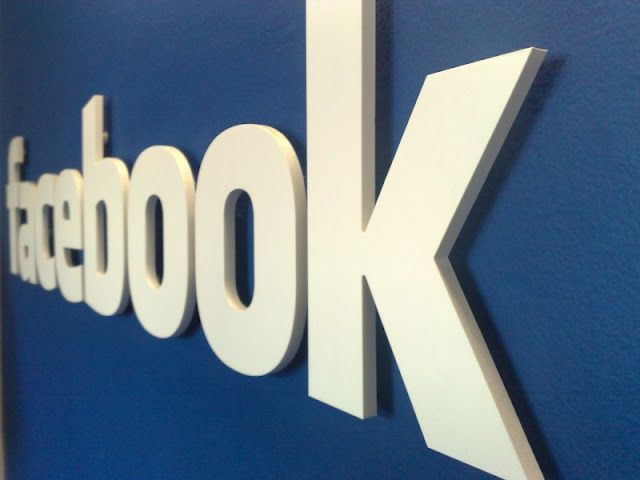 Facebook Reaches More Than 900 Million Active Users