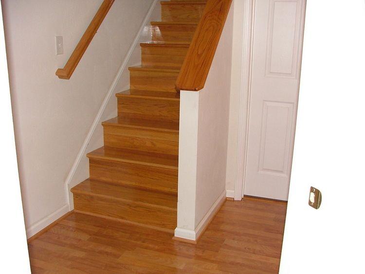 Best Laminate Flooring On Stairs Cocinas Modernas Moderno 400 x 300