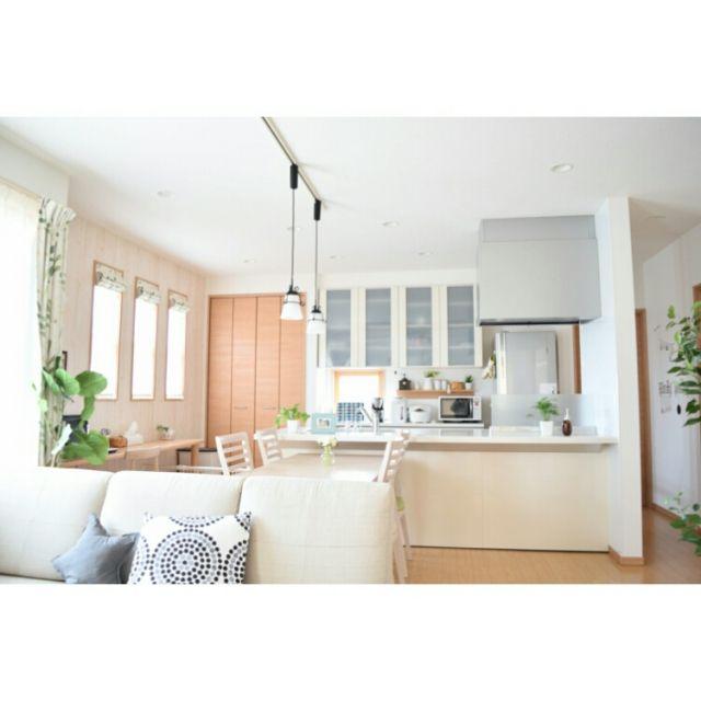 asukaさんの、ニトリのフェイクグリーン,昼間の写真♡,こどもと暮らす。,無印良品 壁に付けられる家具,無印良品,3Coins,ダイニング,ペンダントライト,ダブルシェード  ...