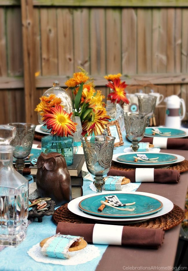 Fall table setting ideas with a modern color palette; Thanksgiving table  setting ideas; fall