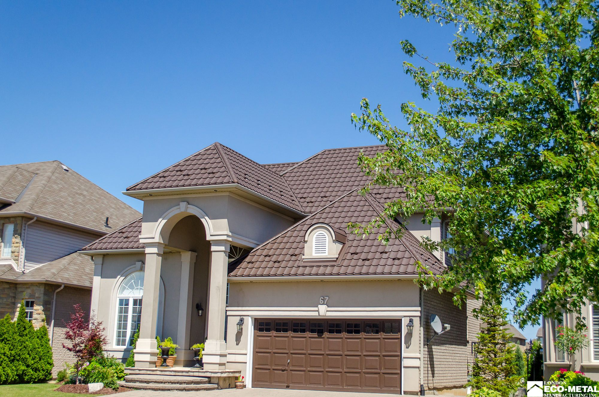 Check out this #metal #roof we did on Lowinger Ave. Ancaster, Ontario.