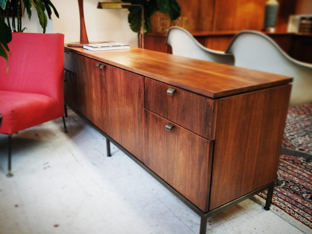 La Credenza Caselle : Currently available milo baughman for pacific iron lounge chair