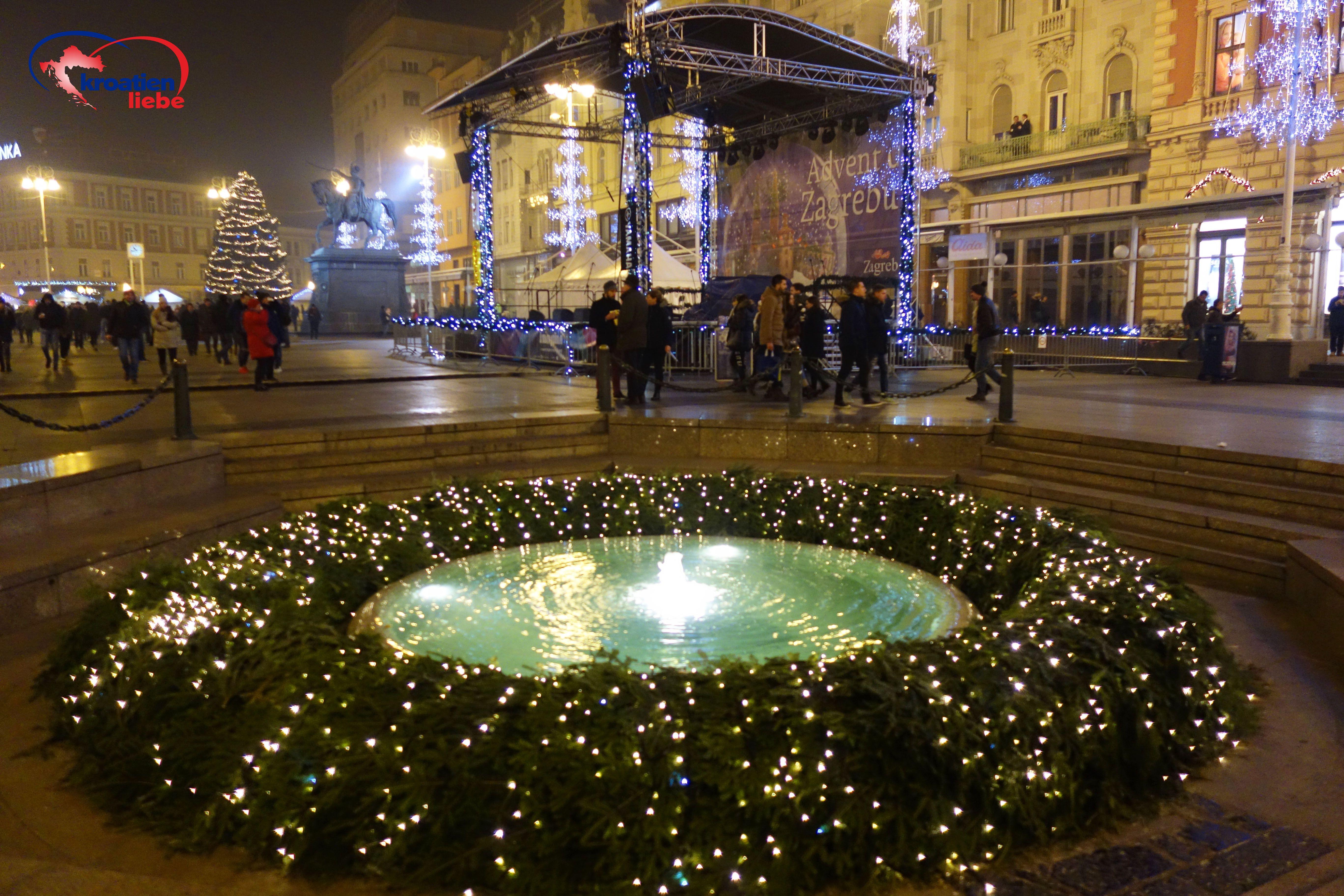 Advent Auf Dem Ban Jelacic Platz In Zagreb Kroatien Urlaub Urlaub Buchen Urlaub