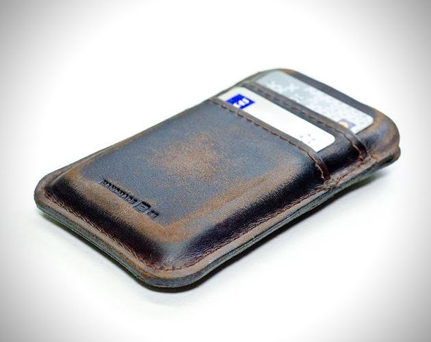 Retro Modern Aged Leather Pocket for Apple iPhone (1)