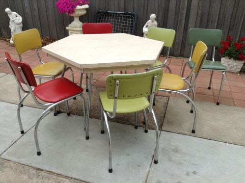 Retro Table Chairs 1950s 1960s Harlequin Era Retro Table And Chairs Retro Table Table And Chairs