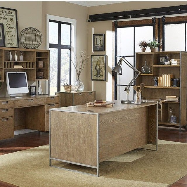 Rustic Homeoffice Design: Loving The Steel Accents In This Office. #decor