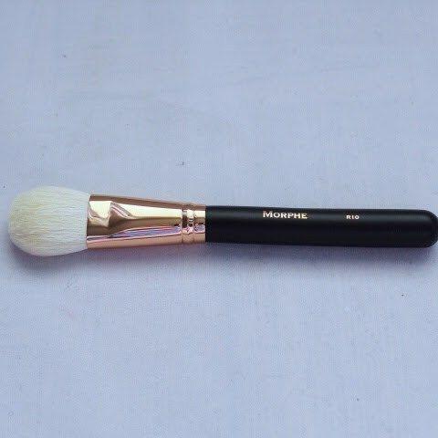 Morphe R10 Tapered Powder Brush