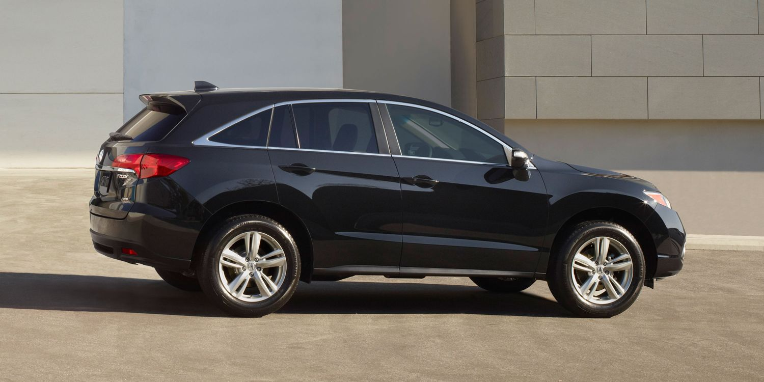 The profile of the 2015 Acura RDX with allwheel drive in