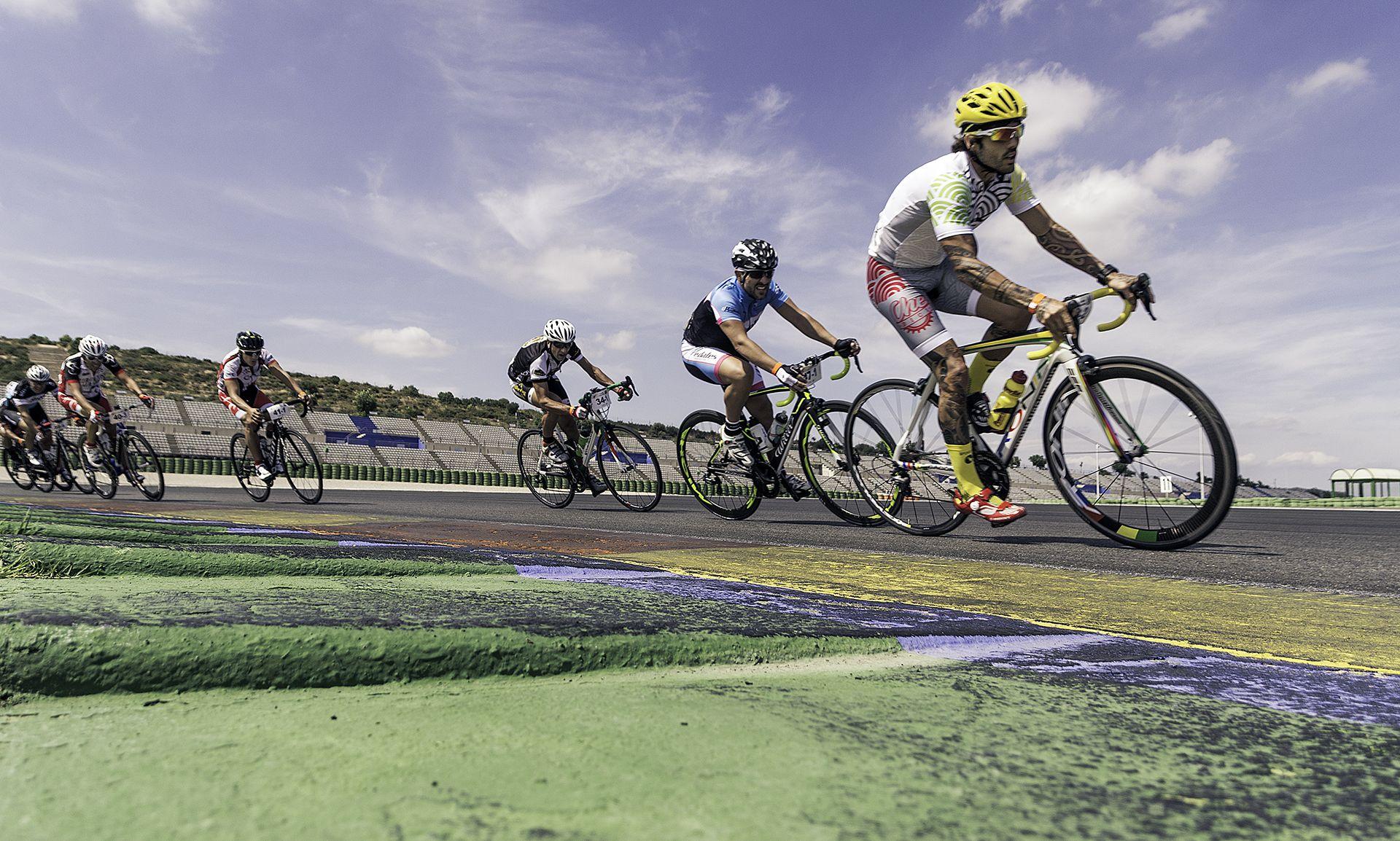 Circuito Cheste : Campeonato ciclismo horas en el circuito de cheste cycling