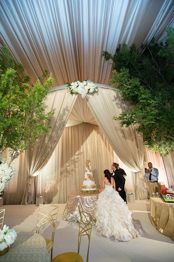 A Custom Designed Wedding in Midland A