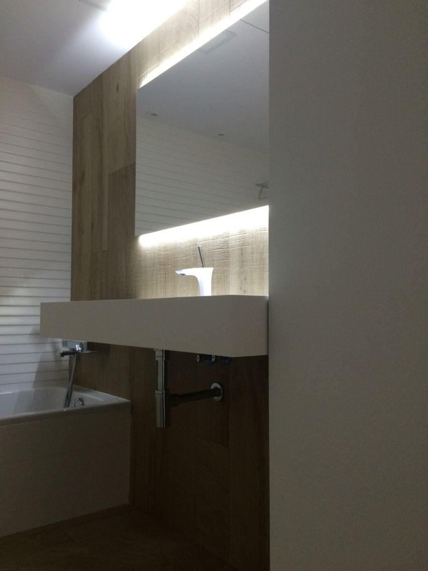 Espejo con tira de led | Lighted bathroom mirror, Bathroom ...