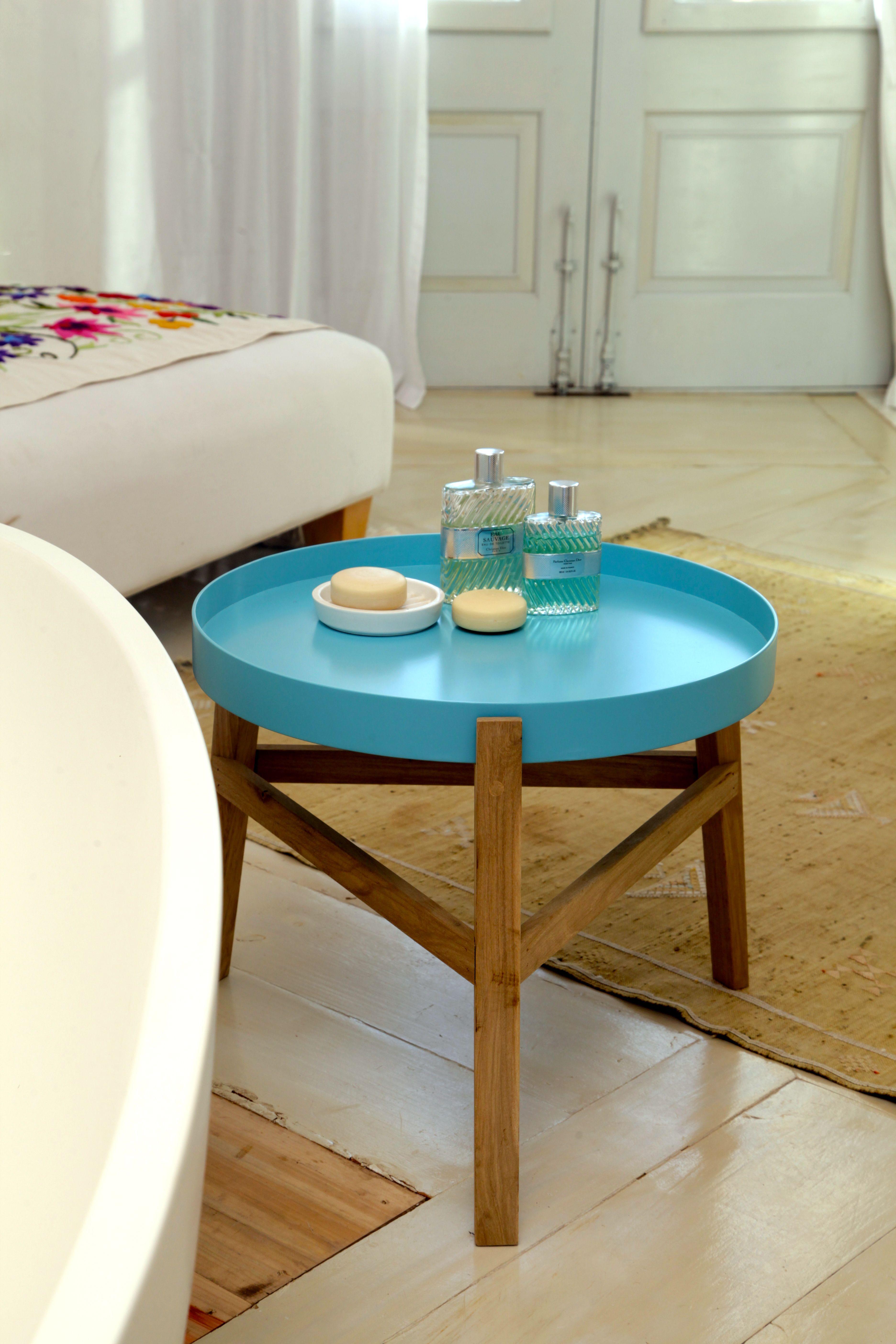 Mesa Quiti, ratona o de apoyo para cualquier rincon. Patas de madera ...