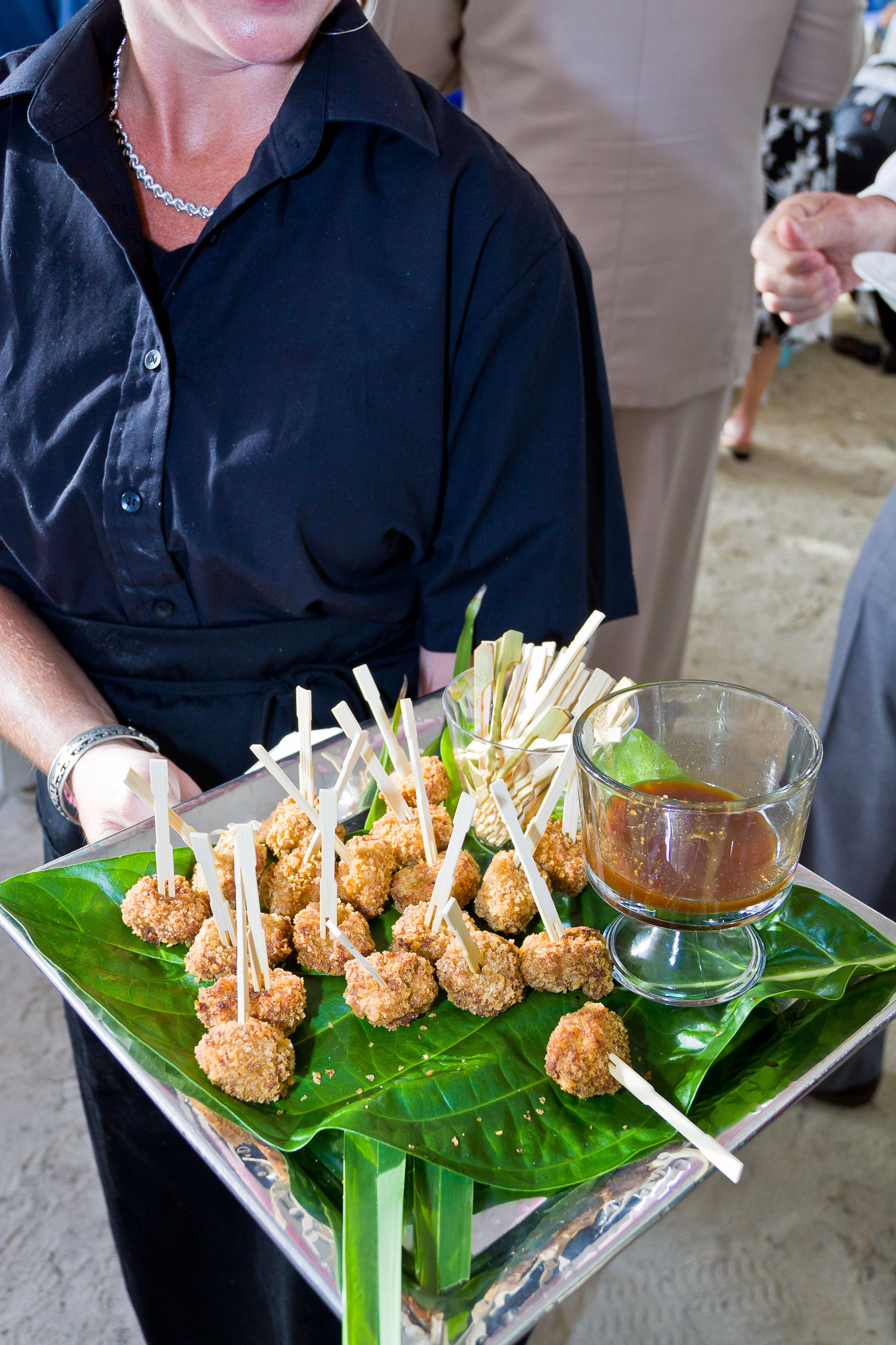 have a beach reception with good easy to eat food beach wedding