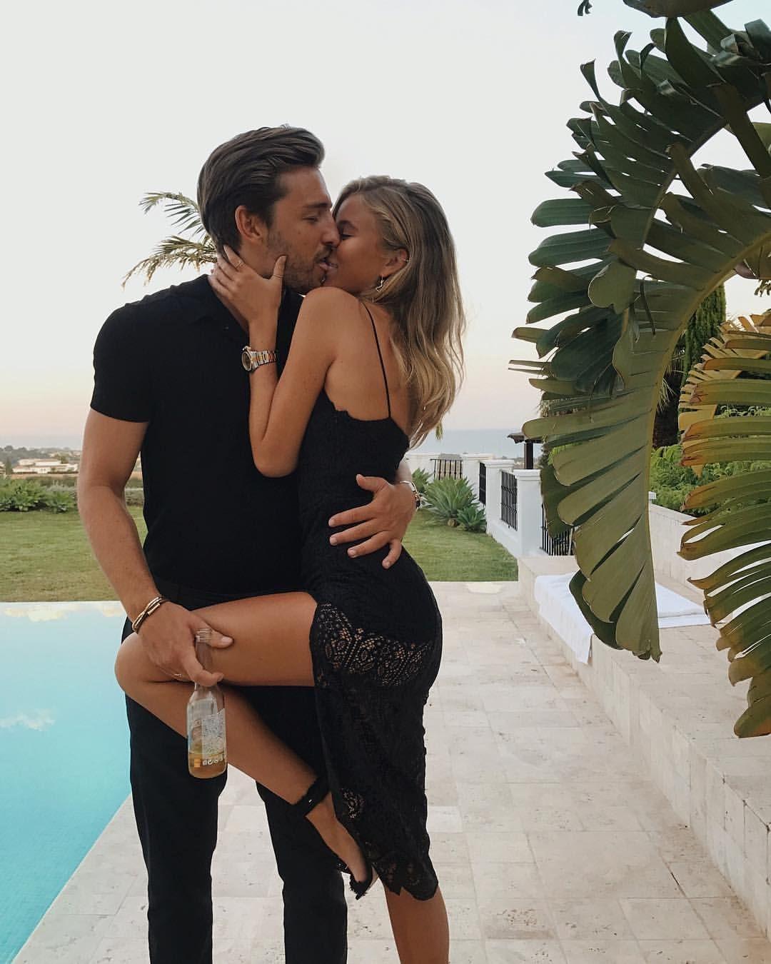 43 dating 26 camerele de chat flirtează dating