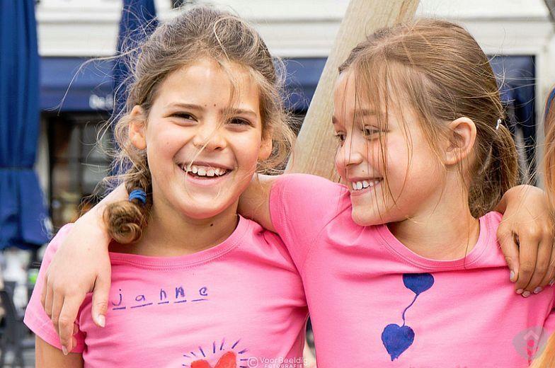 """Gezellig kinderfestival voor kinderen tussen 4 – 12 jaar in een ongedwongen sfeer.  Thema 2015 """" doen en beleven"""""""