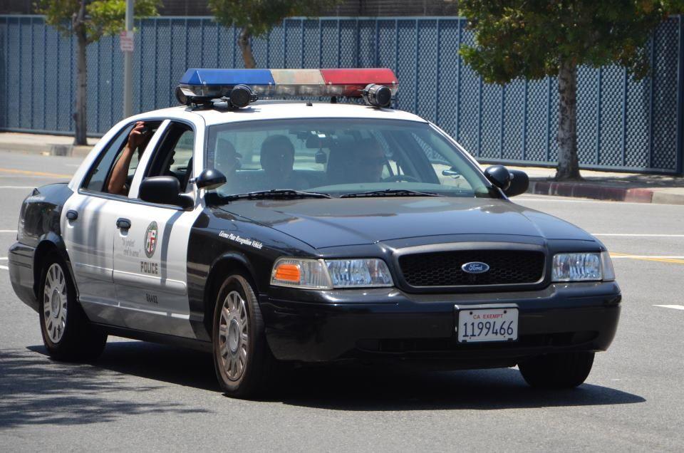 Lapd Pursue Suspect In Water Near Santa Monica Pier In 2020 Victoria Police Lapd Police Cars